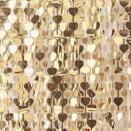 rideau de coeurs dorés