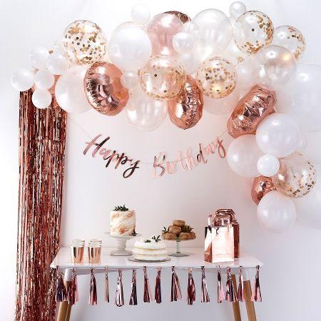 guirlande de ballons blancs et rose gold