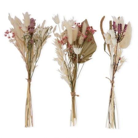 3 bouquets de fleurs...