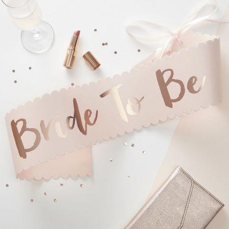 """Écharpe rose """"Bride to be"""" EVJF"""