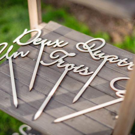 10 numéros de table en bois