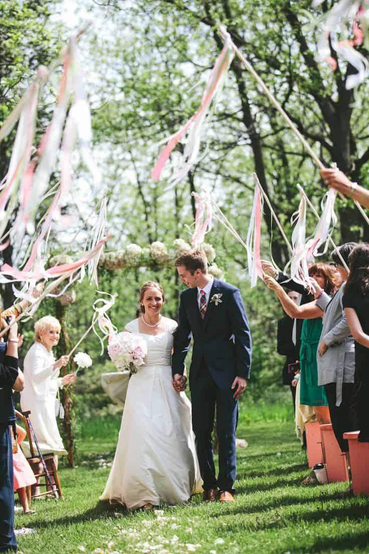 mariage baguettes sortie cérémonie