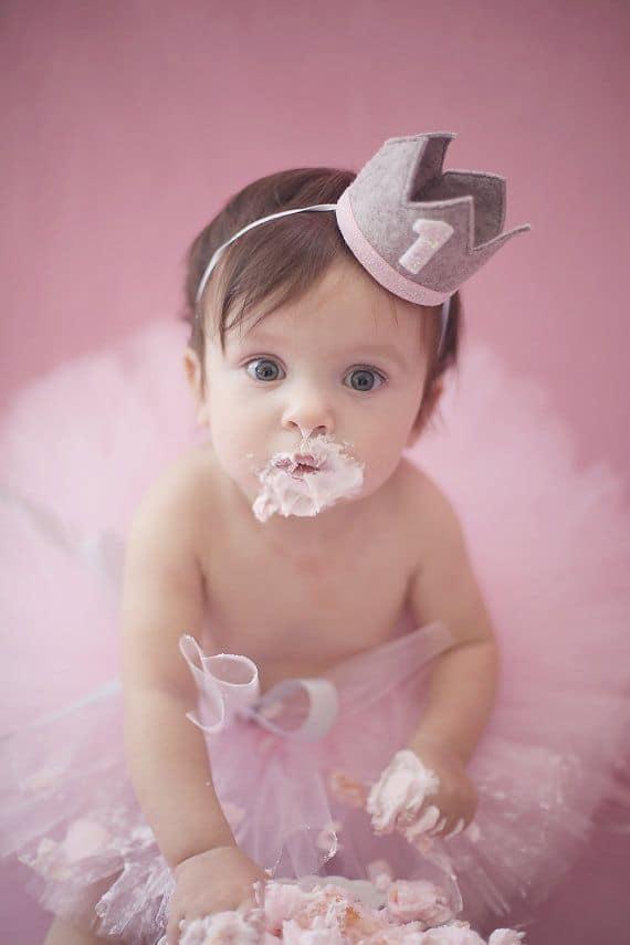 Premier anniversaire de bébé : la tendance du smash cake