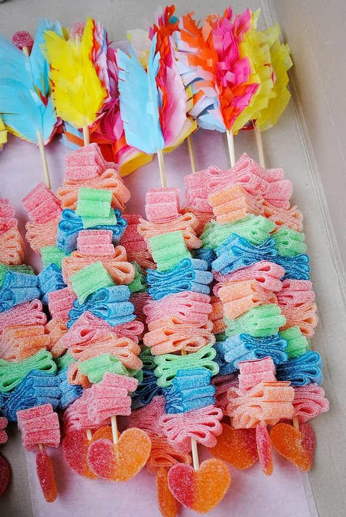 Brochette-de-bonbons-fleche