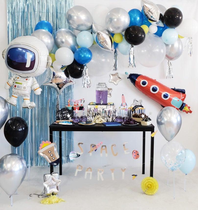 Décoration d'anniversaire Galaxie pour un petit Cosmonaute / Astronaute / Spationaute!